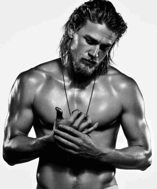 Charlie Hunnam Leaves Fifty Shades Of Grey (1/5)