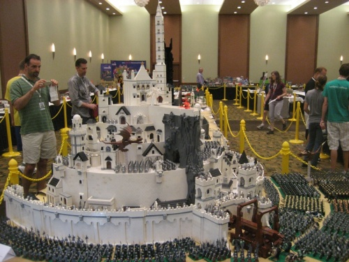 lord-of-the-rings-legos-helms-deep_1309563176